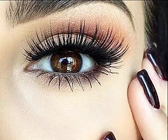 Luxury eyelash extensions by Lush Lash OC Newport Beach