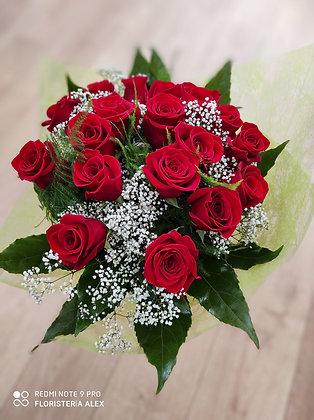 Ramo 18 rosas tallo largo