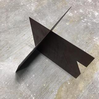 Luiz83 | Obejto modular Nº3 (edição de 4) | 2018 | escultura em ferro oxidado | 61x50x65cm | R$9.000,00