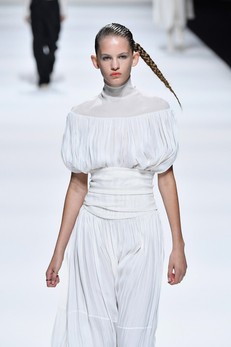 This Gravity Defying Hair is a Runway First at Milan Fashion Week