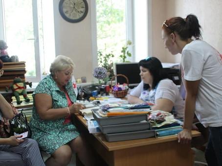 Наши гости Сасина Марина Степановна!зам.МЭРА г.Ангарска обсуждаем как доставить в г.Тулун гум.помощь