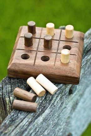 Tic Tac Toe - Wooden Dowel