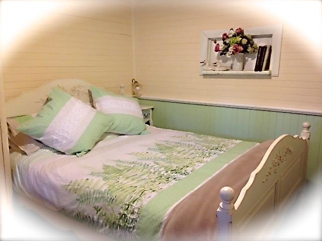 3rd Bedroom -Queen bed + Cot