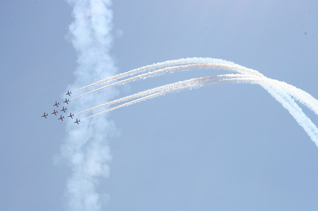 red-arrows-429055_640.jpg