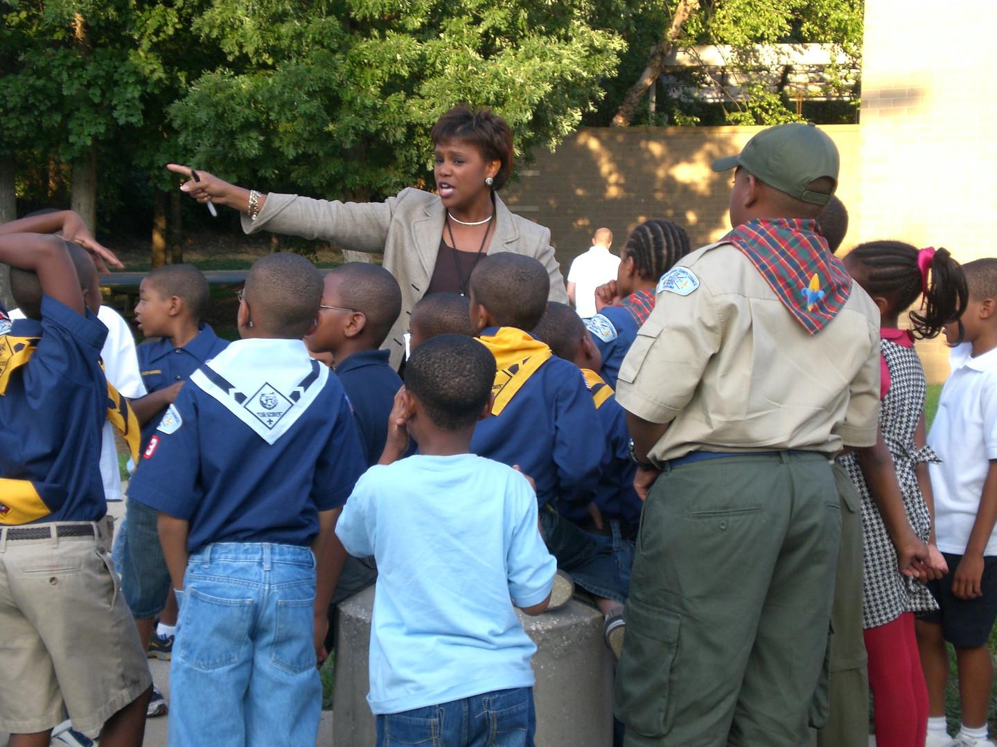 Sonja Gantt teaching the Boy scouts.JPG