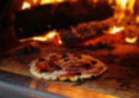 PizzaInOven_01.jpg