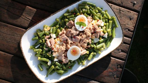 Fazolkový salát s tuňákem a s mátou
