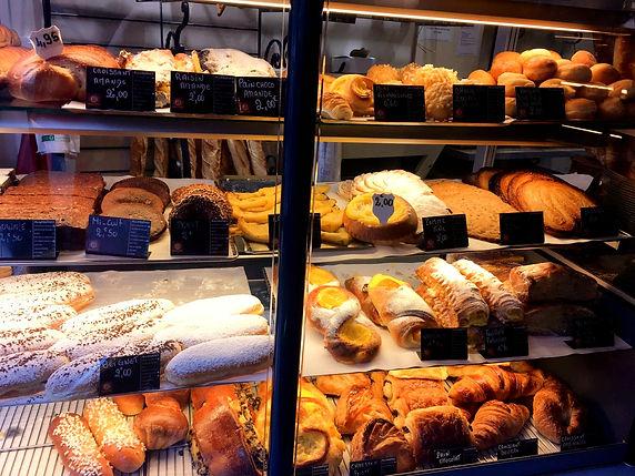 Boulangerie parigina pain au chocolat croissant Parigi Lapelosa Felice Boulangerie