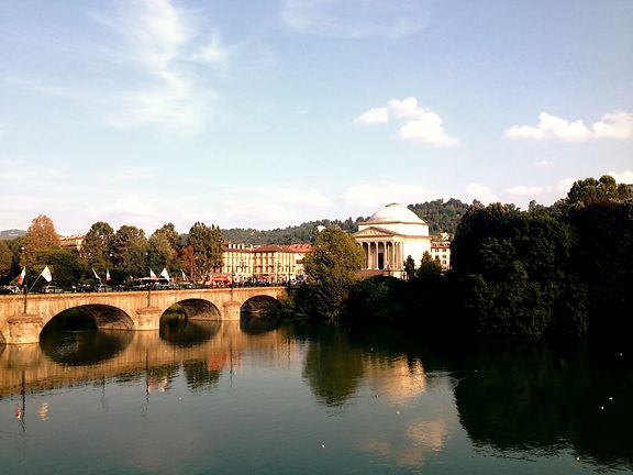Murazzi del po Torino