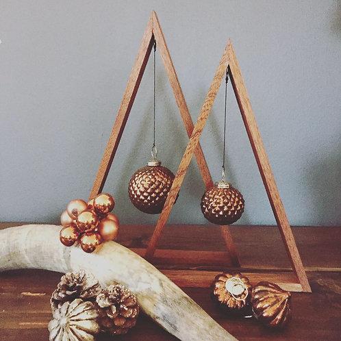 Triangle juletræer - Mahogni med kobber kugle
