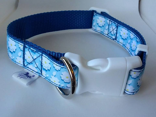 Blue and white flower pattern adjustable dog collar