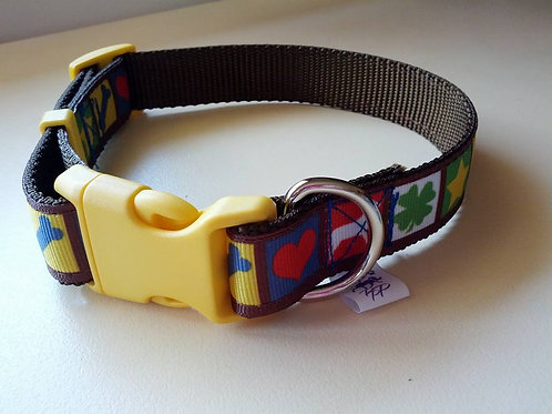 Brown adjustable webbing dog collar with montage pattern