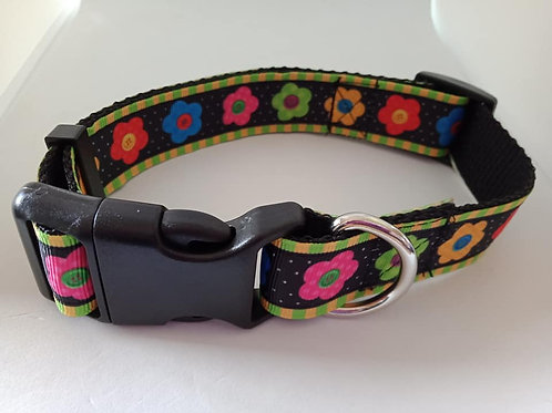 Bright flower dog collar medium