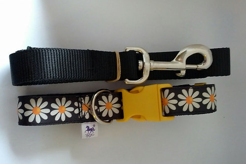 Black and white daisy dog collar and lead sets