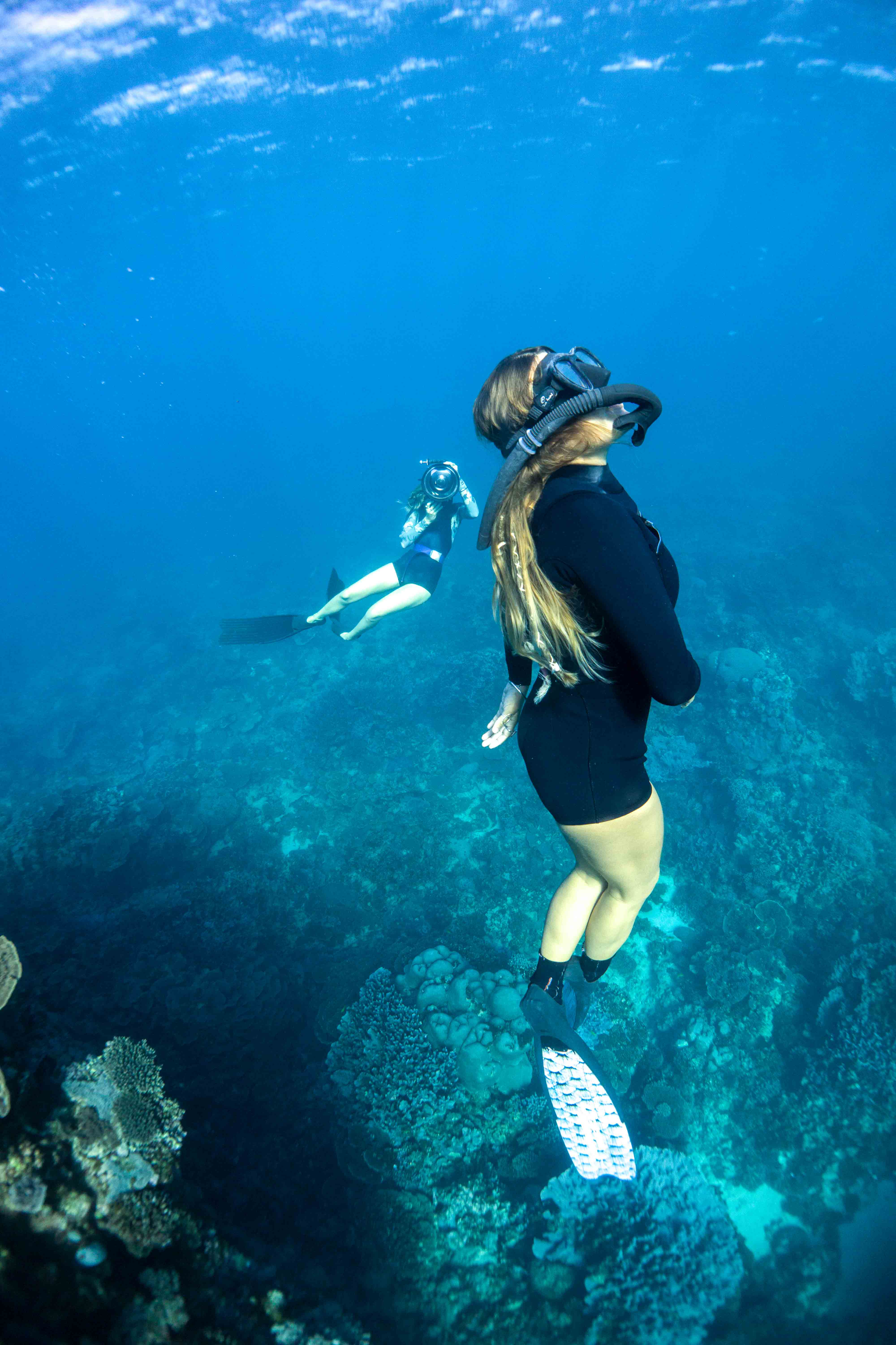 Girls enjoying freediving