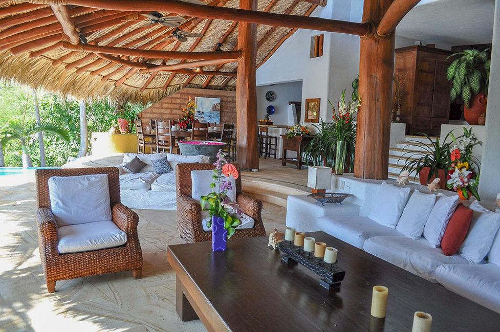 grand salon villa encantada zihuatanejo mexico