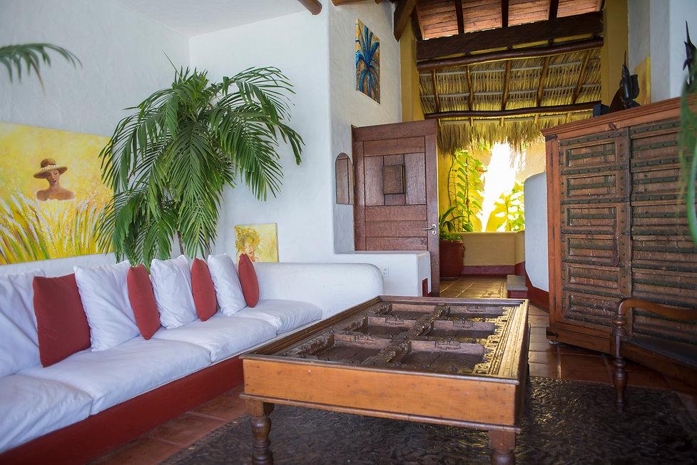 yellow ladies salon villa bahia zihuatanejo mexico