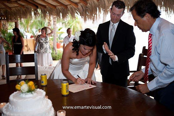 signing marriage certificate zihuatanejo mexico
