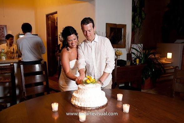 wedding cake zihuatanejo mexico