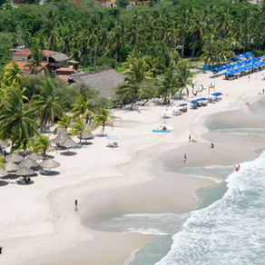 Spend Your Day on Playa La Ropa