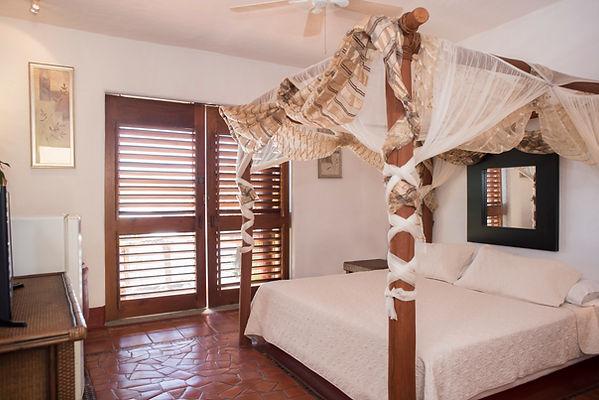 sol room villa bahia zihuatanejo mexico