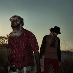 WW13_DJalu leads Gotye at sunset on Rara