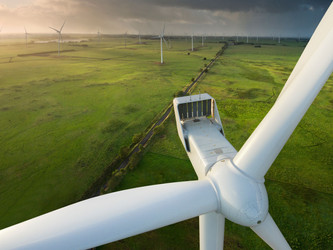 Automatic drone inspection of wind turbine wings