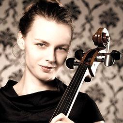 charlotte-voigt-violincello_edited_edite