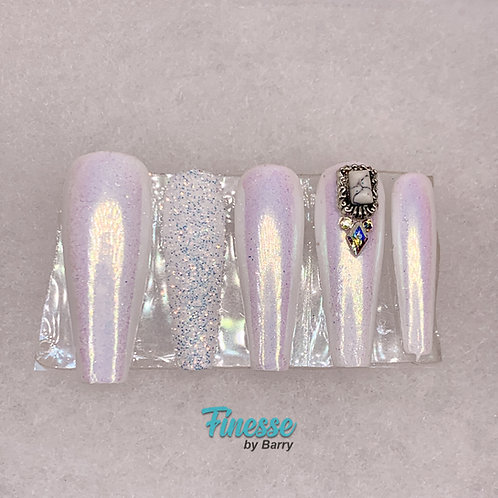 "Finesse ""Chrome Snow"" Full Set Press Ons"