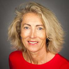 3.Caroline Portrait 1000.jpg