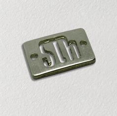Etiqueta de metal para roupas - etiqueta de metal personalizada vazada