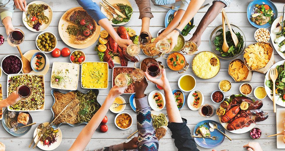 friends-happiness-enjoying-dinning-eatin