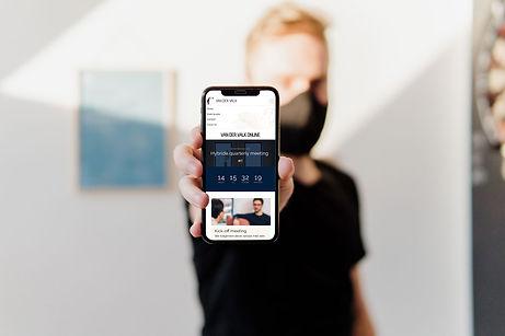 Valk-Online-Phone.jpg