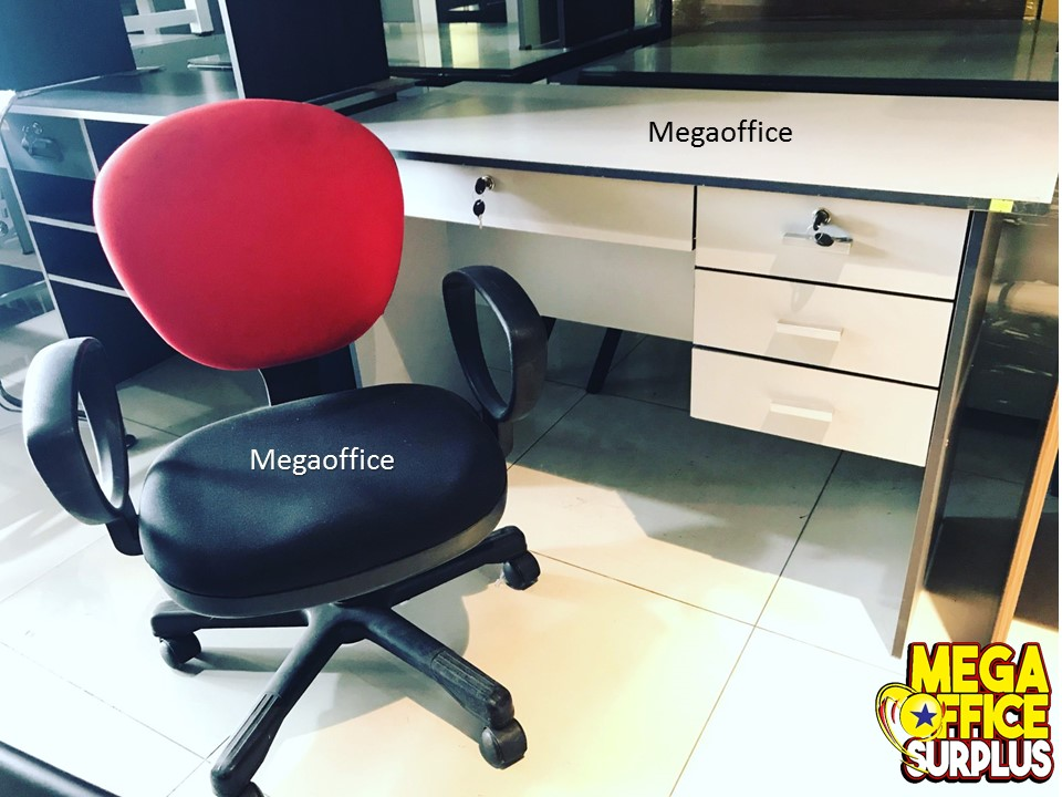 Megaoffice Surplus Table Chair