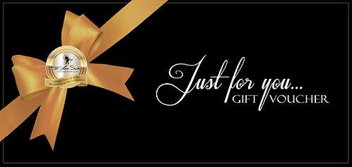 €100 Gift Voucher & Gift Box .