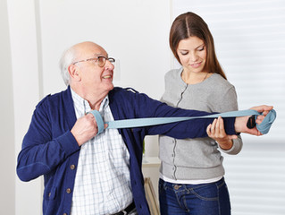 Choosing Between Independent & Assisted Living