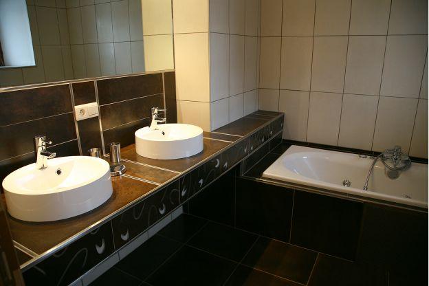 Maison_Fiche-Maisons-de-vacances-104406-04-Neufchateau-salle-de-bain-851510-1L.j