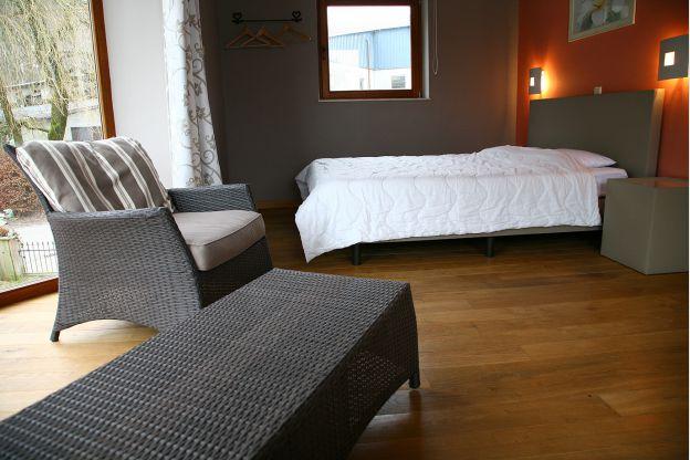 Maison_Fiche-Maisons-de-vacances-104406-04-Neufchateau-chambre-851506-1L.jpg