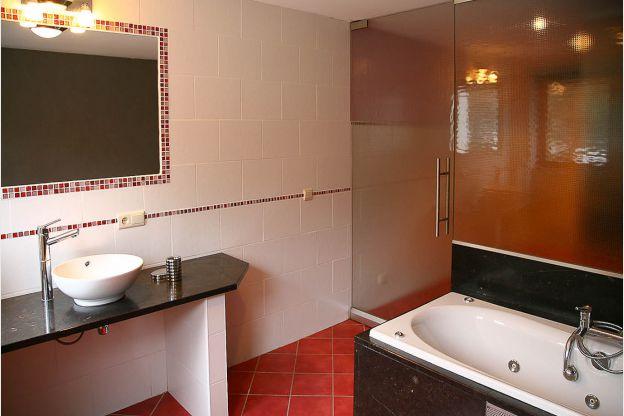 Maison_Fiche-Maisons-de-vacances-104406-02-Neufchateau-salle-de-bain-851297-1L.j