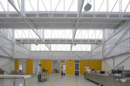 MIKHUNA TEC Taller EC 001-Translucent.jp