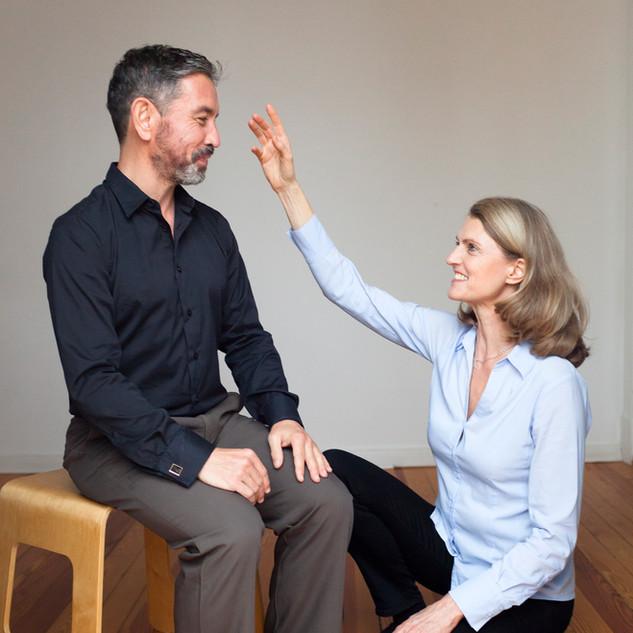 Übungen gegen Rückenschmerzen beim Sitzen