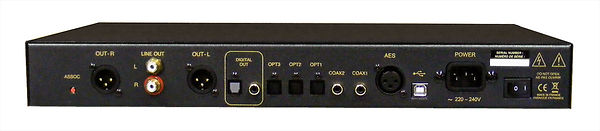 Atoll Electronique DAC 200 reference level digital to analog music converter featuring Burr Brown PCM1792 dac, separate transformanfer for the analog and digital sections with dual transformers for the output section.  Variable and fixed volume control.