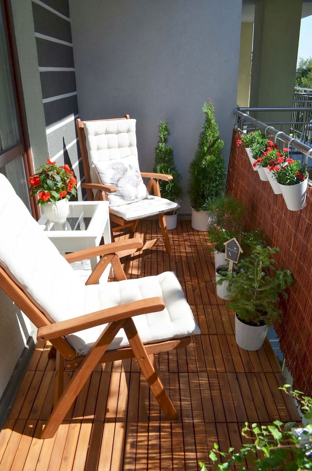 Small-Apartment-Balcony-Decorating-Ideas