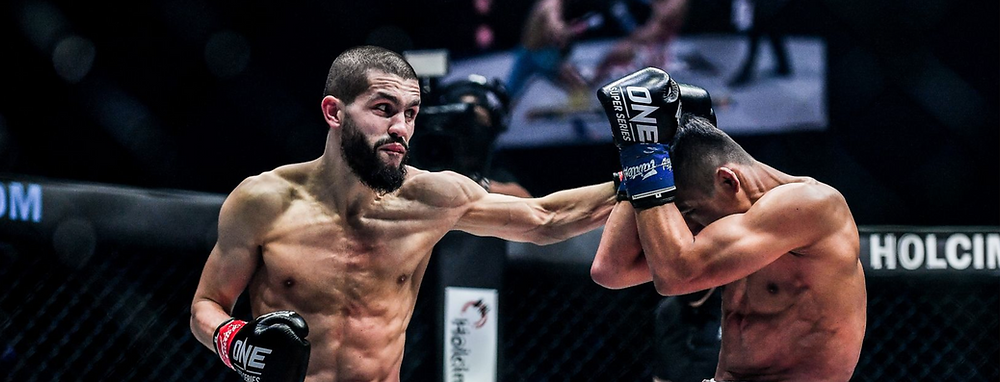 Ilias Ennahachi strijdt om de wereldtitel tegen de Thai Superlek Kiatmoo