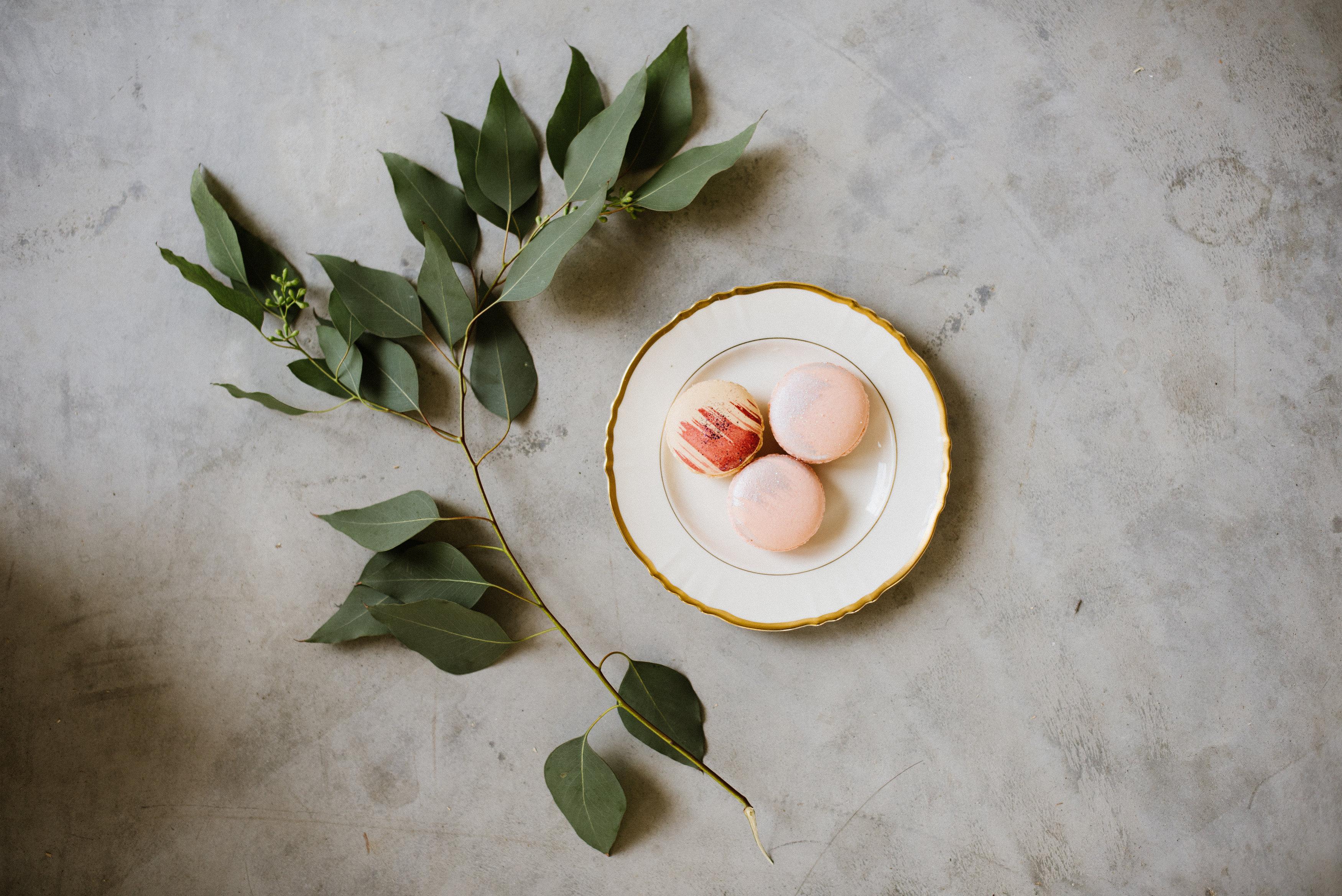White & Ivory Dessert Plate