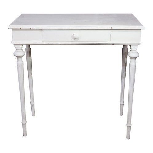 Lucy Table