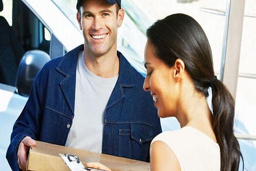 Consegna a domicilio e montaggio mobili, servizio e precisione