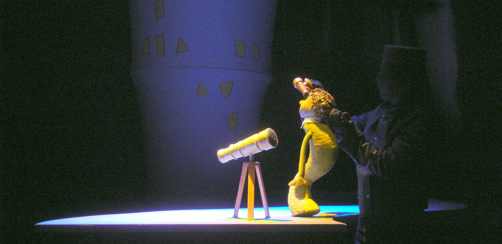 Balloon Caspar puppet with Hotel