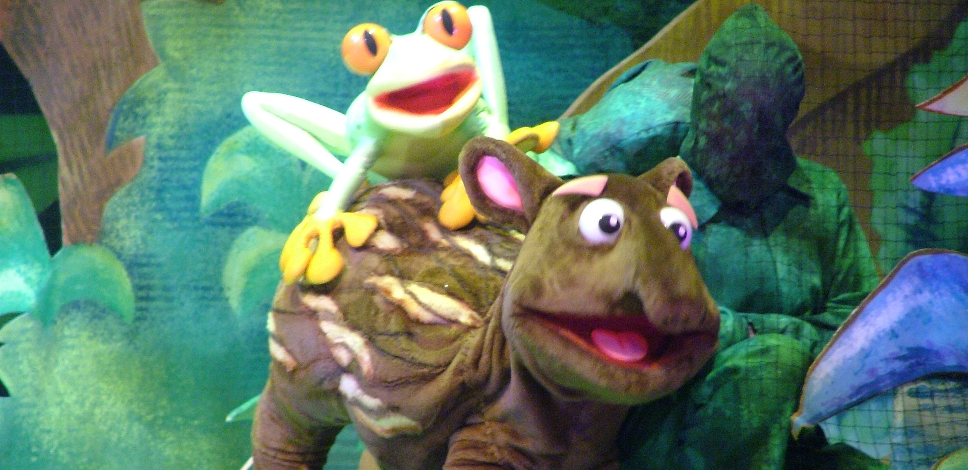 Go Diego Go Frog and Tapir puppet