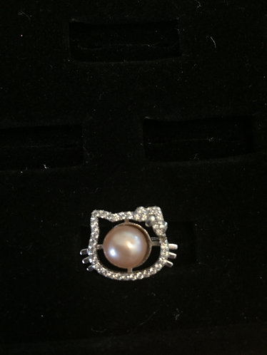 hello kitty ring with pearl